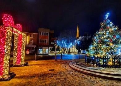 Plenty of festive fun in Leighton Buzzard High Street thanks to sparkling  motifs and two special markets | Leighton Buzzard Observer