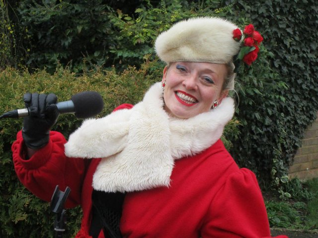 Fiona Harrison is performing Christmas driveway concerts