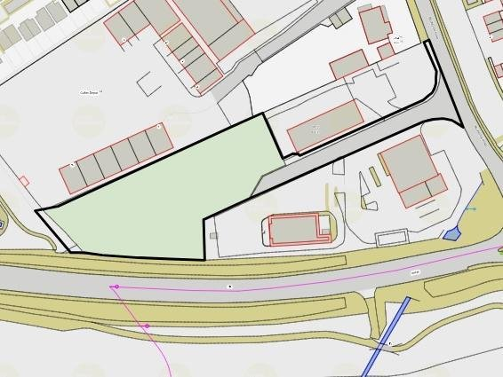 The site is a vacant piece of land to the west of Billington Road